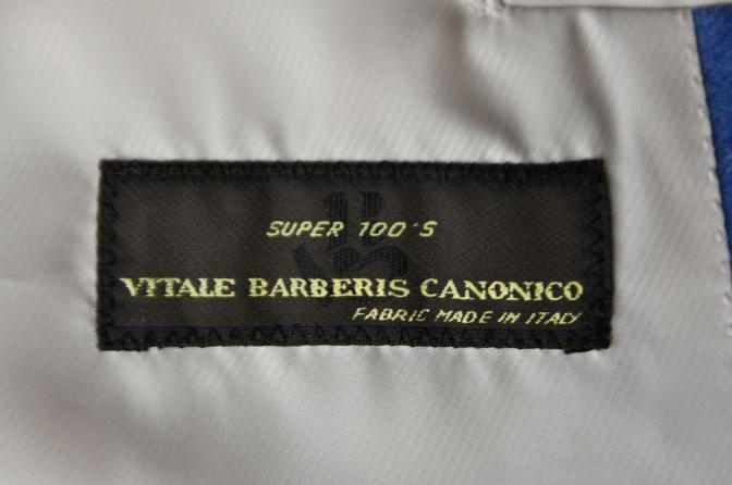 DSC04182 お客様のスーツの紹介-CANONICO ライトブルーフランネル ダブルジレのスリーピース- 名古屋の完全予約制オーダースーツ専門店DEFFERT