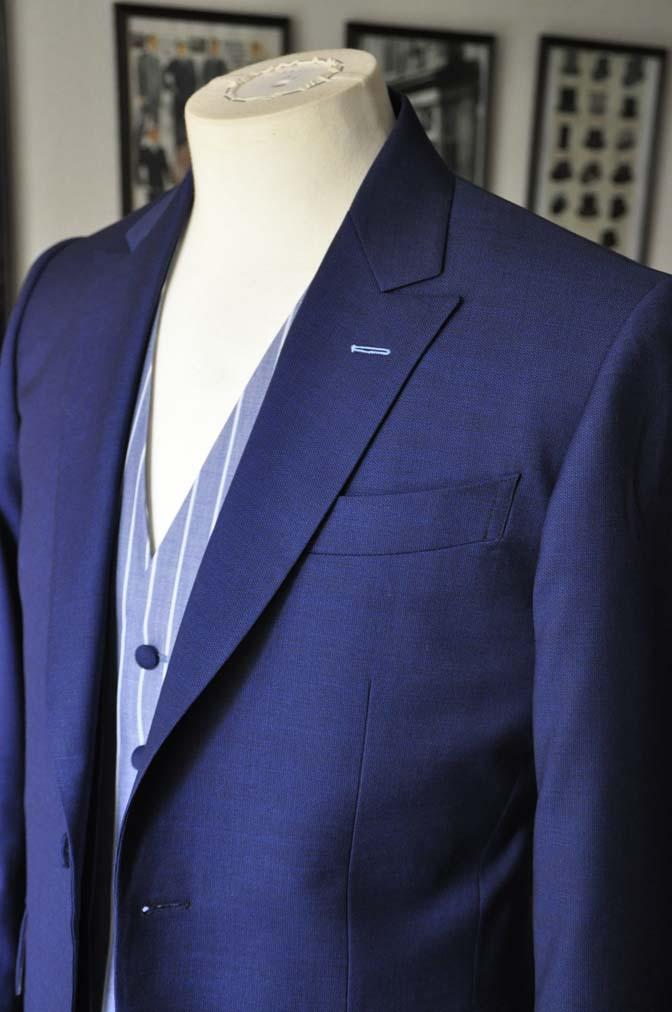 DSC04222 お客様のウエディング衣装の紹介-Biellesi 無地ネイビースーツ ブルーストライプベスト-