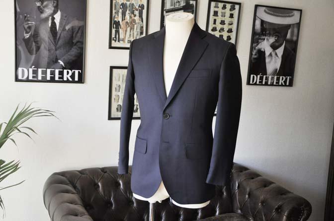 DSC04223 お客様のスーツの紹介- Biellesi 無地ネイビースーツ-