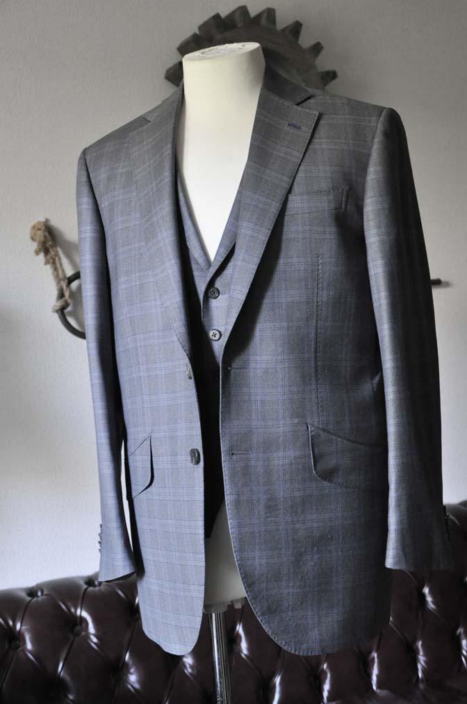 DSC0423-1 お客様のスーツの紹介- Loro Piana グレーチェックスリーピース- 名古屋の完全予約制オーダースーツ専門店DEFFERT