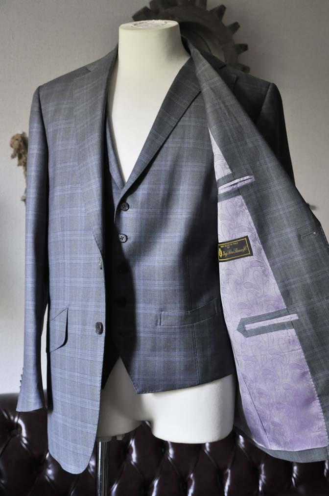 DSC0424-1 お客様のスーツの紹介- Loro Piana グレーチェックスリーピース- 名古屋の完全予約制オーダースーツ専門店DEFFERT