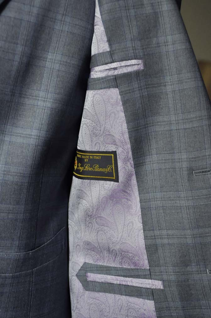 DSC0425-1 お客様のスーツの紹介- Loro Piana グレーチェックスリーピース- 名古屋の完全予約制オーダースーツ専門店DEFFERT