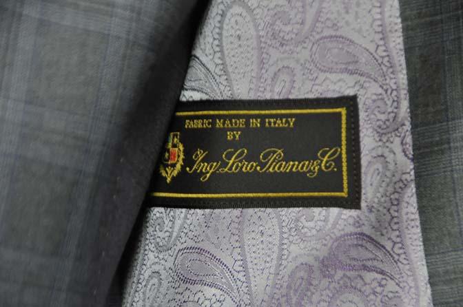 DSC0426-1 お客様のスーツの紹介- Loro Piana グレーチェックスリーピース- 名古屋の完全予約制オーダースーツ専門店DEFFERT