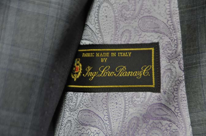 DSC0426-1 お客様のスーツの紹介- Loro Piana グレーチェックスリーピース-