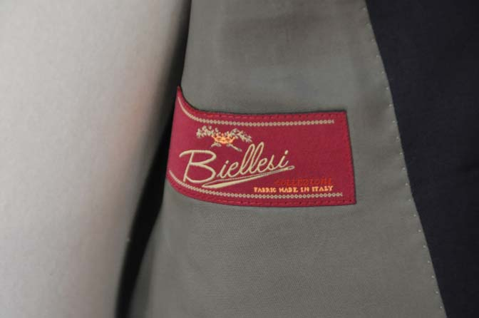 DSC04261 お客様のスーツの紹介- Biellesi 無地ネイビースーツ-