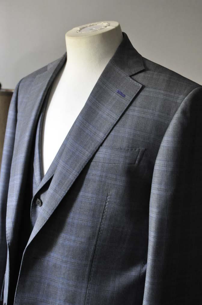 DSC0427-1 お客様のスーツの紹介- Loro Piana グレーチェックスリーピース- 名古屋の完全予約制オーダースーツ専門店DEFFERT