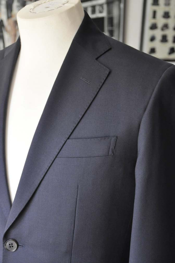 DSC04271 お客様のスーツの紹介- Biellesi 無地ネイビースーツ-