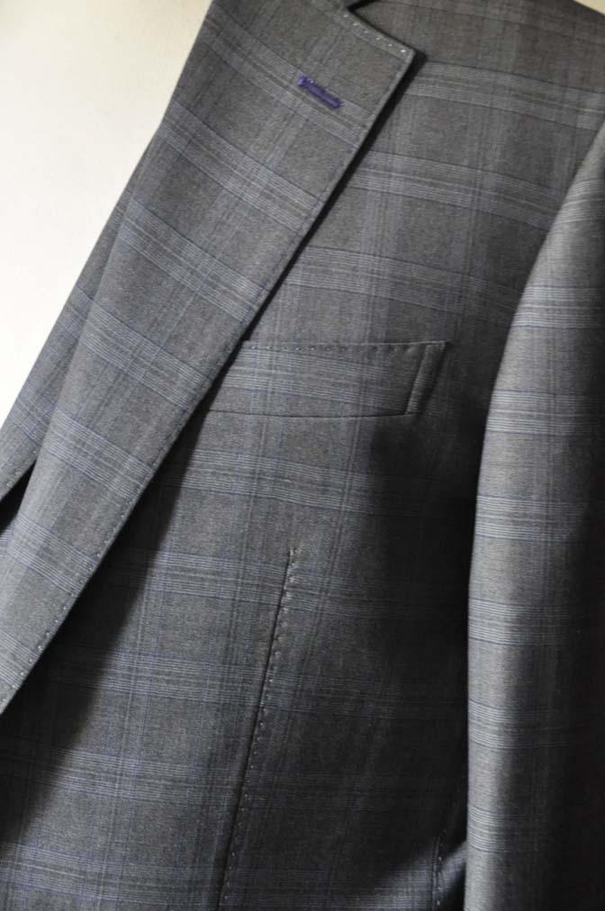 DSC0429-1 お客様のスーツの紹介- Loro Piana グレーチェックスリーピース- 名古屋の完全予約制オーダースーツ専門店DEFFERT