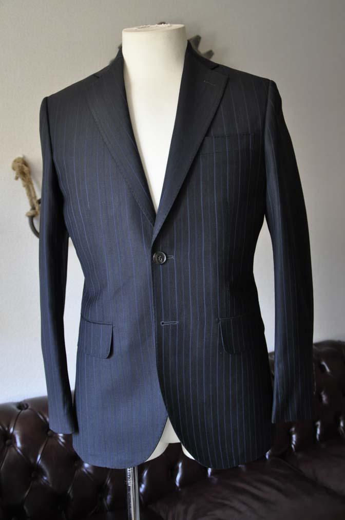 DSC0429-2 お客様のスーツの紹介- Biellesi ネイビーストライプスーツ-