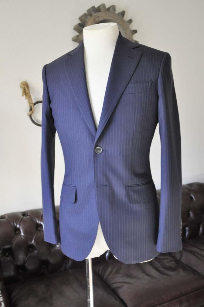 DSC0429-4 お客様のスーツの紹介-ネイビーストライプスーツ-
