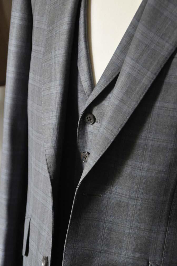DSC0430-1 お客様のスーツの紹介- Loro Piana グレーチェックスリーピース- 名古屋の完全予約制オーダースーツ専門店DEFFERT