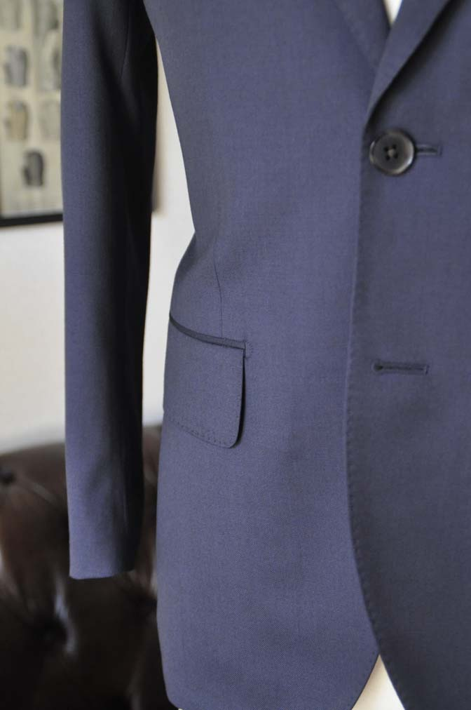 DSC04312 お客様のスーツの紹介- Biellesi 無地ネイビースーツ-