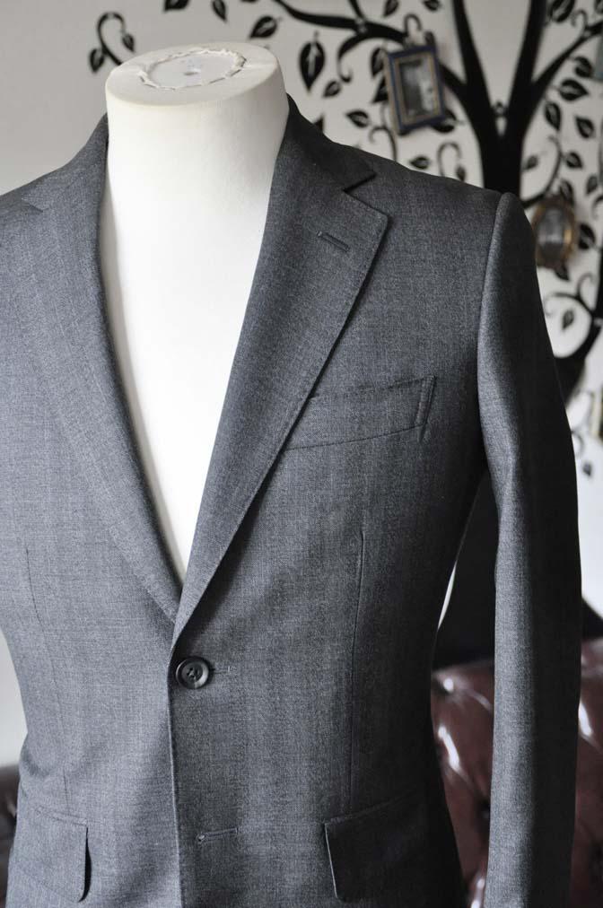 DSC0434-4 お客様のジャケットの紹介-Biellesi グレーヘリンボーンジャケット- 名古屋の完全予約制オーダースーツ専門店DEFFERT