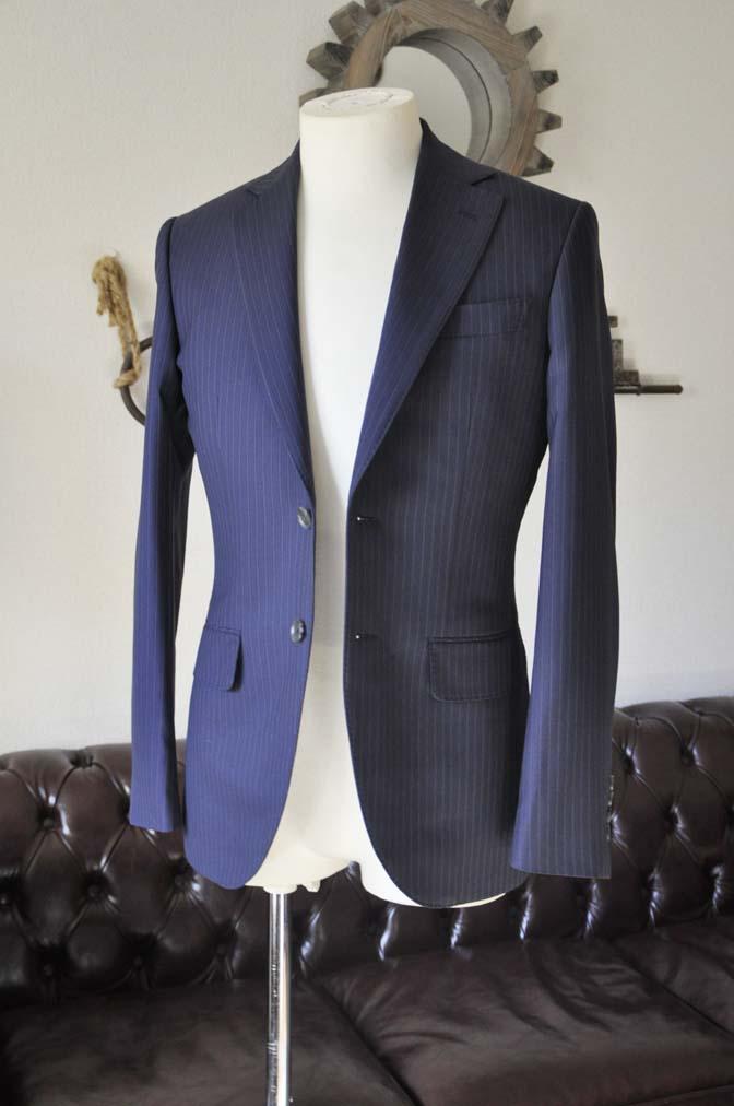 DSC0440-5 お客様のスーツの紹介-ネイビーストライプスーツ-