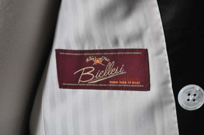 DSC0441-3 お客様のウエディング衣装の紹介- Biellesiネイビーダブルタキシード-DSC0441-3 お客様のウエディング衣装の紹介- Biellesiネイビーダブルタキシード- 名古屋市のオーダータキシードはSTAIRSへ