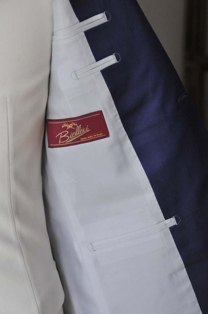 DSC0443-1 お客様のウエディング衣装の紹介- Biellesi ネイビースーツ ホワイトベスト-