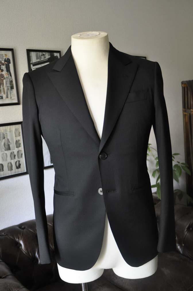 DSC04441 お客様のスーツの紹介-Biellesi ブラックスーツ-