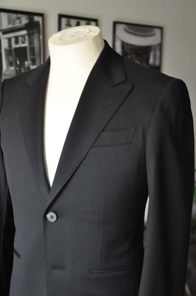 DSC04451 お客様のスーツの紹介-Biellesi ブラックスーツ-