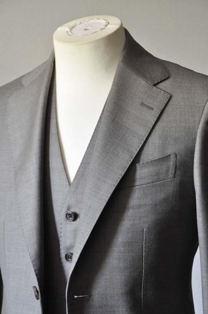 DSC0449-2 スーツの紹介- 御幸毛織 ライトブラウンスリーピース-