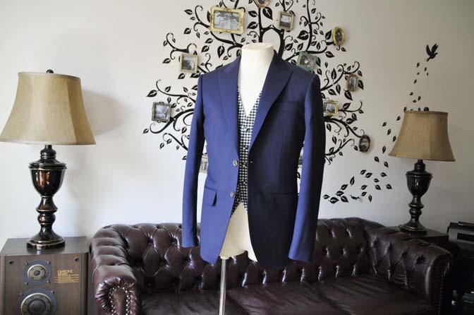 DSC0449-3 お客様のウエディング衣装の紹介- Biellesi無地ネイビースーツ 千鳥格子ベスト- 名古屋の完全予約制オーダースーツ専門店DEFFERT