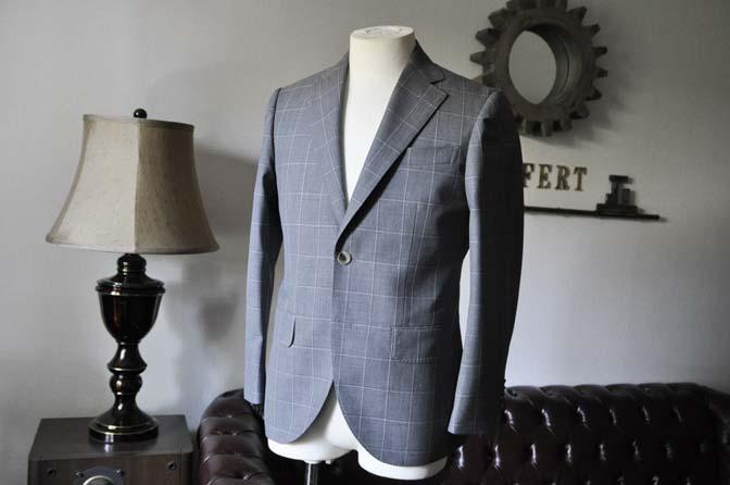 DSC0450-2 お客様のスーツの紹介- DARROW DALE グレーウィンドペン-