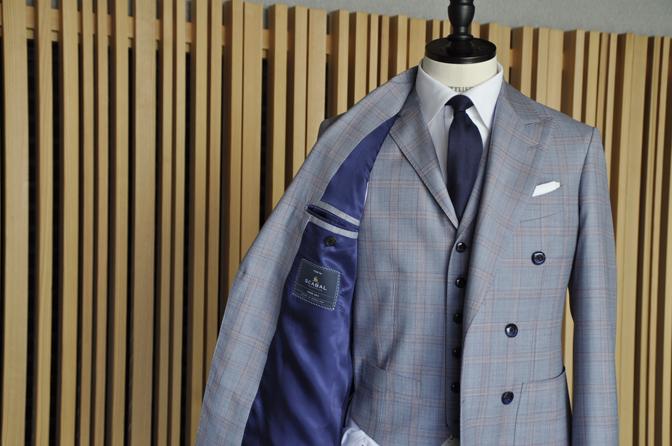 DSC0453-5 オーダースーツの紹介- SCABAL LONDONER ネイビーチェック ダブルで衿付きベストのスリーピース- 名古屋の完全予約制オーダースーツ専門店DEFFERT
