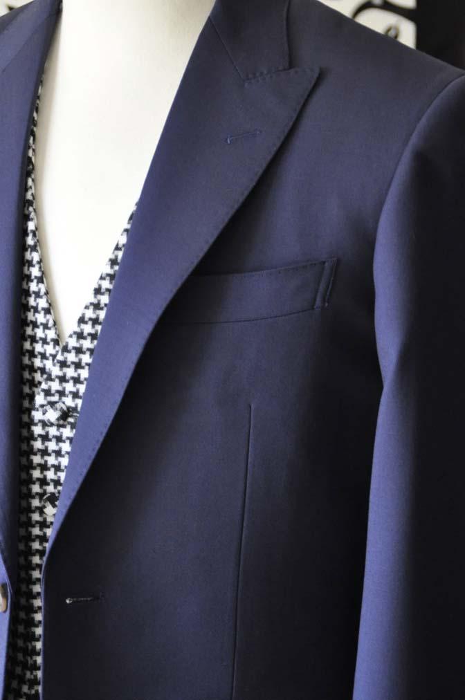 DSC0455-3 お客様のウエディング衣装の紹介- Biellesi無地ネイビースーツ 千鳥格子ベスト- 名古屋の完全予約制オーダースーツ専門店DEFFERT