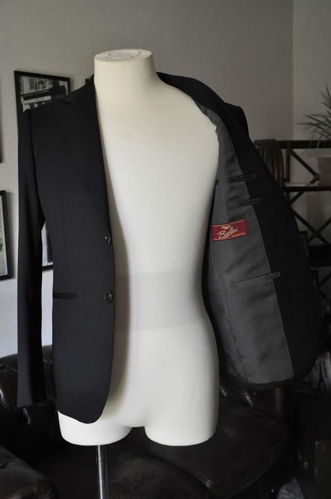 DSC04581 お客様のスーツの紹介-Biellesi ブラックスーツ-