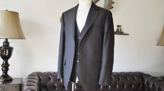 お客様のスーツの紹介-Biellesiダークブラウンウィンドペン スリーピース-