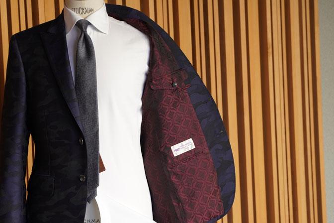 DSC04605 オーダースーツの紹介-Collezioni Biellesi ネイビー迷彩柄 成人式用スーツ-
