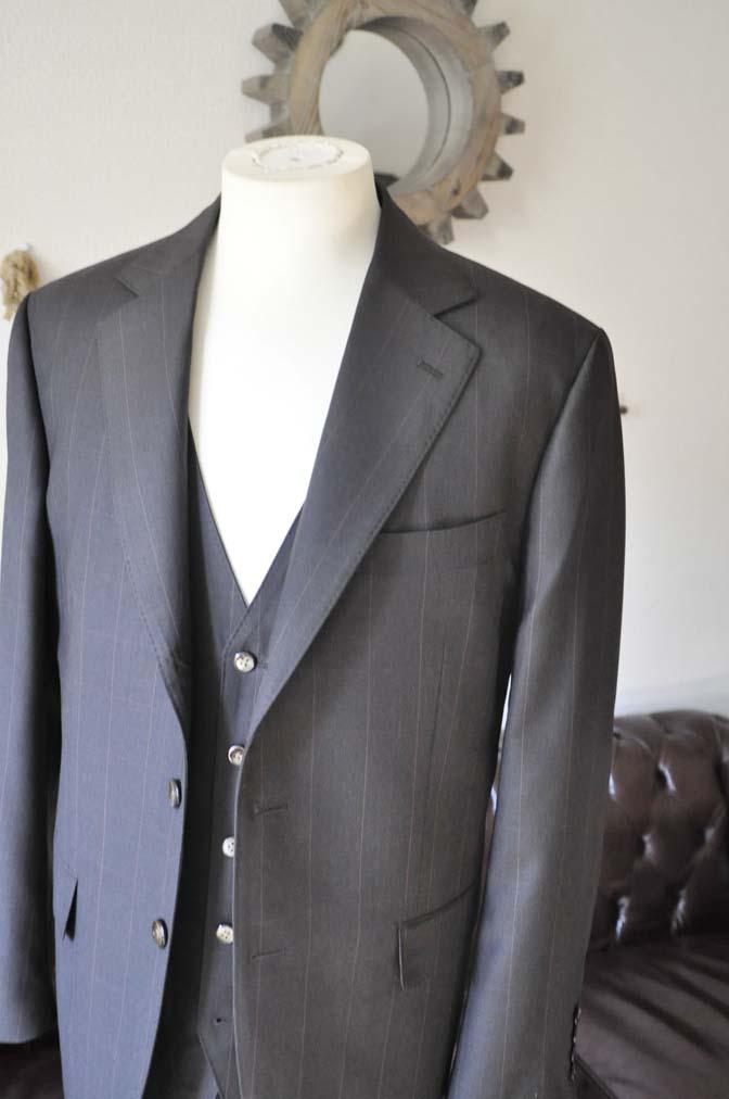 DSC0464-4 お客様のスーツの紹介-Biellesiダークブラウンウィンドペン スリーピース-