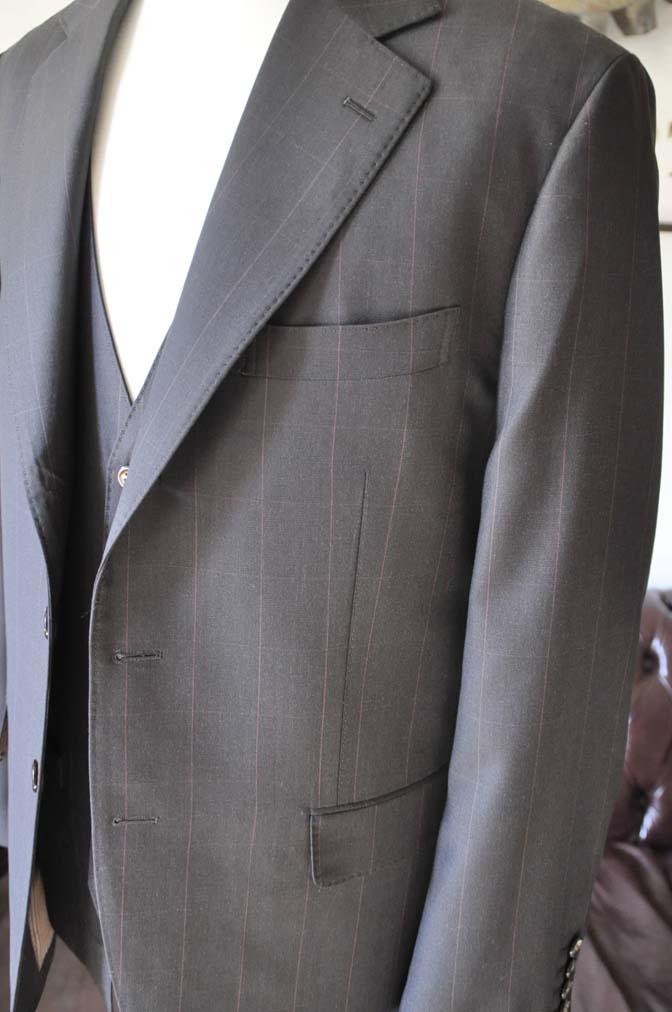 DSC0465-2 お客様のスーツの紹介-Biellesiダークブラウンウィンドペン スリーピース-