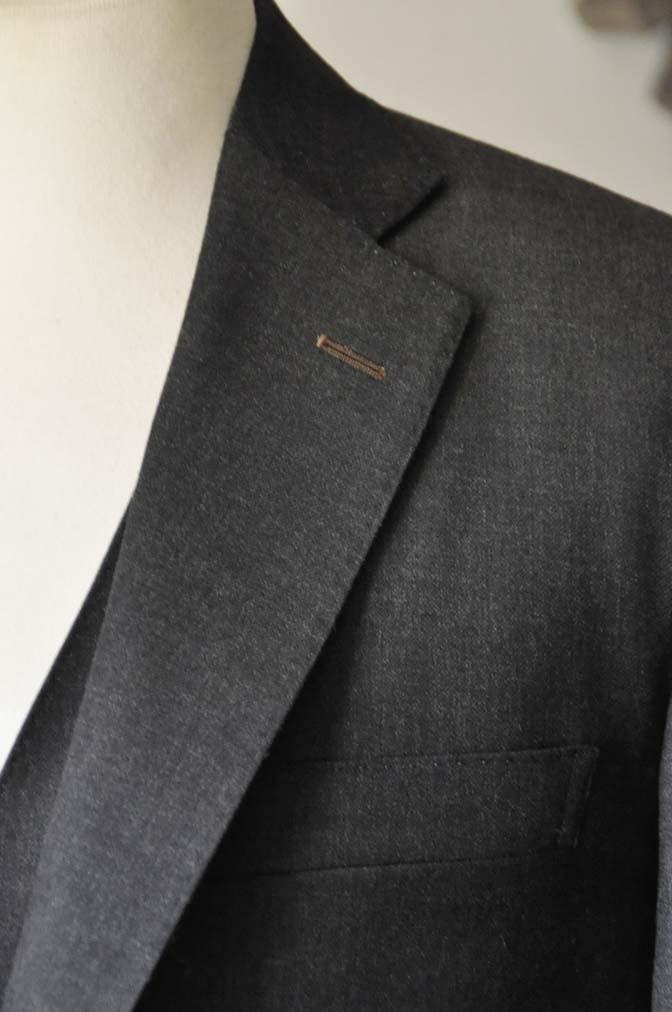 DSC0466-3 お客様のスーツの紹介- 御幸毛織 チャコールグレー スリーピース-