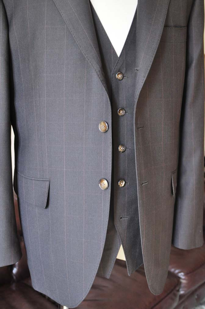 DSC0467-3 お客様のスーツの紹介-Biellesiダークブラウンウィンドペン スリーピース-