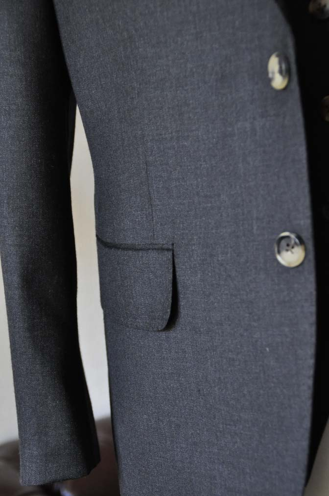 DSC0471-3 お客様のスーツの紹介- 御幸毛織 チャコールグレー スリーピース-
