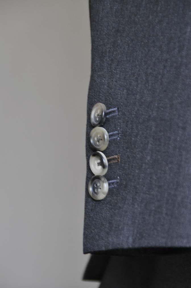 DSC0473-3 お客様のスーツの紹介- 御幸毛織 チャコールグレー スリーピース-