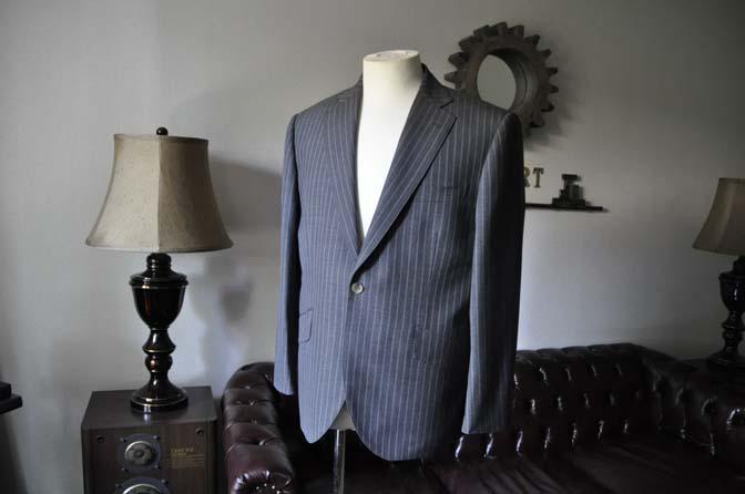 DSC0478-3 お客様のスーツの紹介- DARROW DALE グレーストライプスーツ-
