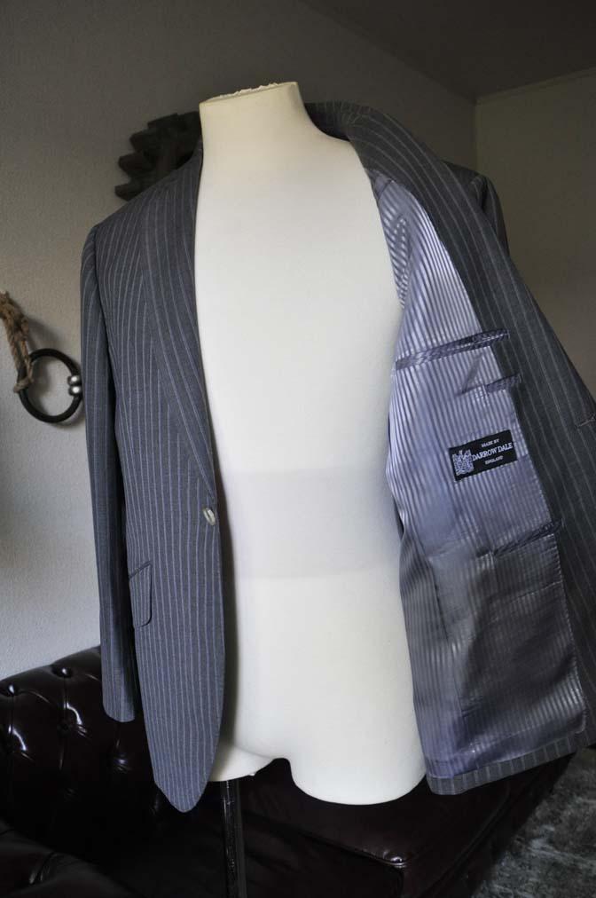 DSC0482-4 お客様のスーツの紹介- DARROW DALE グレーストライプスーツ-