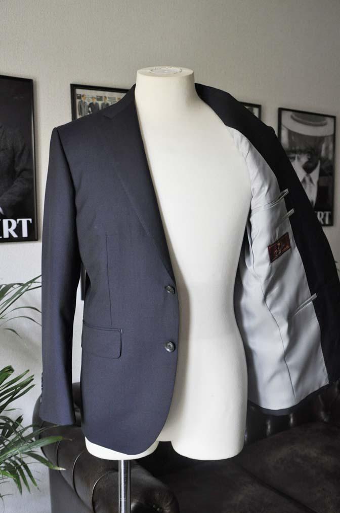 DSC04832 お客様のスーツの紹介-Biellesi 無地ネイビー-