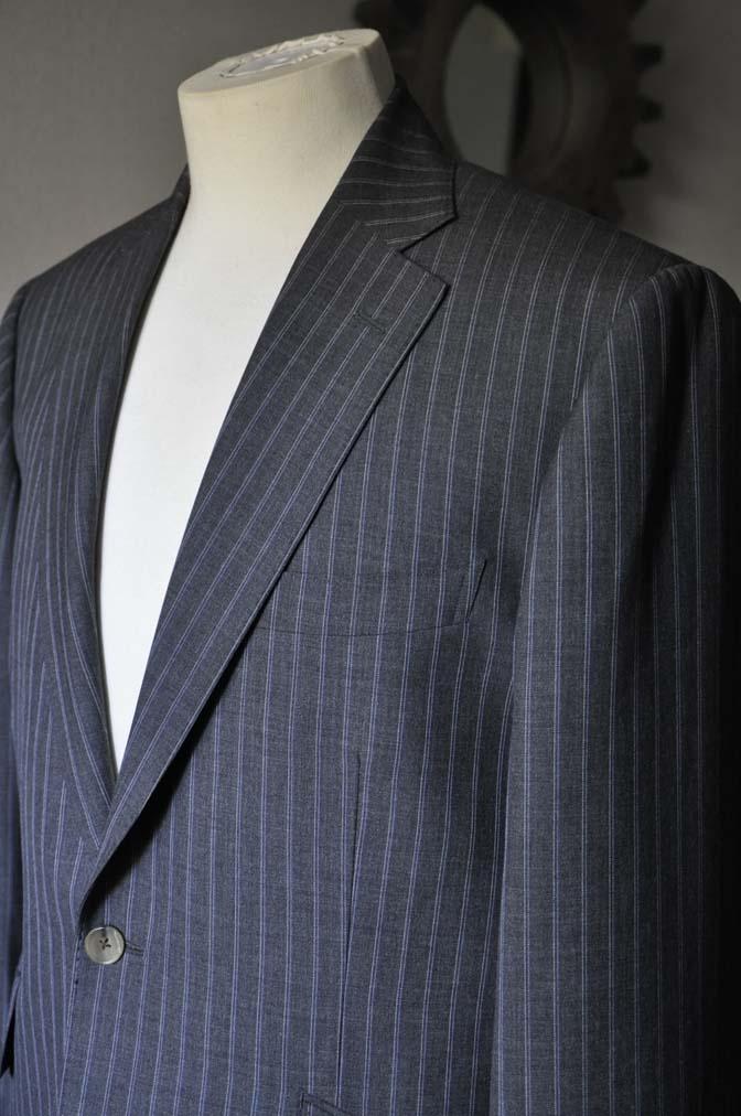 DSC0485-4 お客様のスーツの紹介- DARROW DALE グレーストライプスーツ-