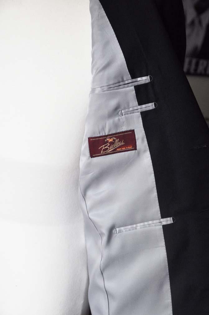 DSC04853 お客様のスーツの紹介-Biellesi 無地ネイビー-