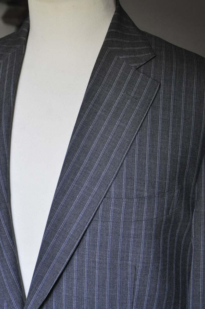 DSC0486-4 お客様のスーツの紹介- DARROW DALE グレーストライプスーツ-