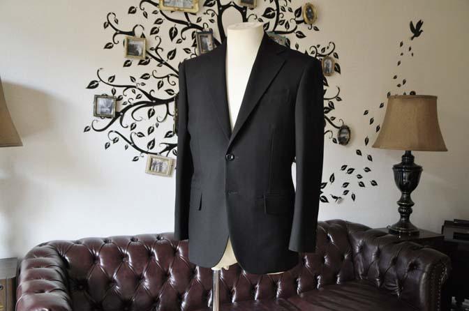 DSC0486-6 お客様のスーツの紹介-無地ブラックスーツ-