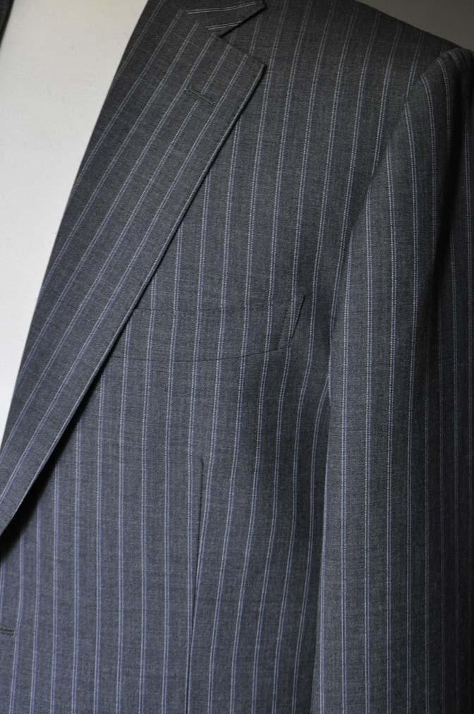 DSC0487-3 お客様のスーツの紹介- DARROW DALE グレーストライプスーツ-