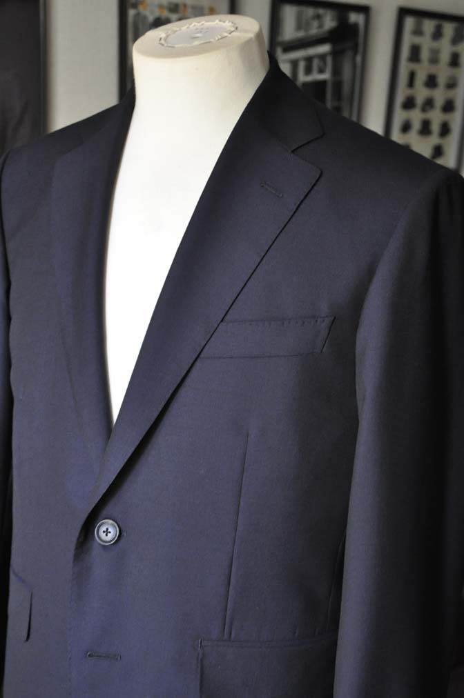 DSC04872 お客様のスーツの紹介-Biellesi 無地ネイビー-