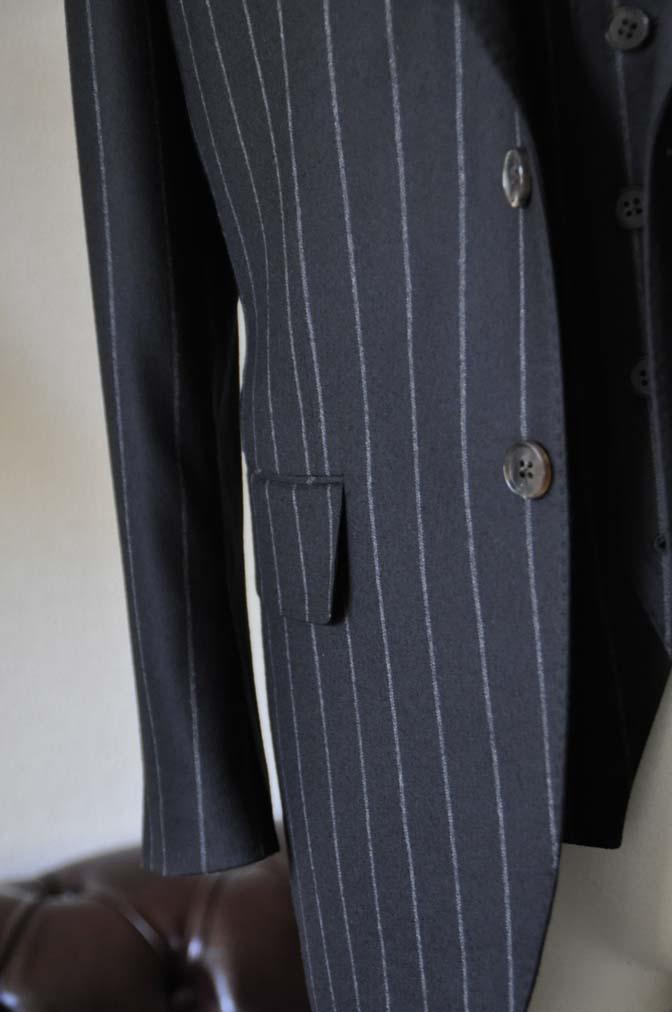 DSC0488-2 お客様のスーツの紹介- 御幸毛織 NAPOLENA(ナポレナ) フランネルブラックストライプ スリーピース-