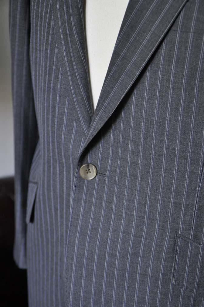 DSC0488-4 お客様のスーツの紹介- DARROW DALE グレーストライプスーツ-