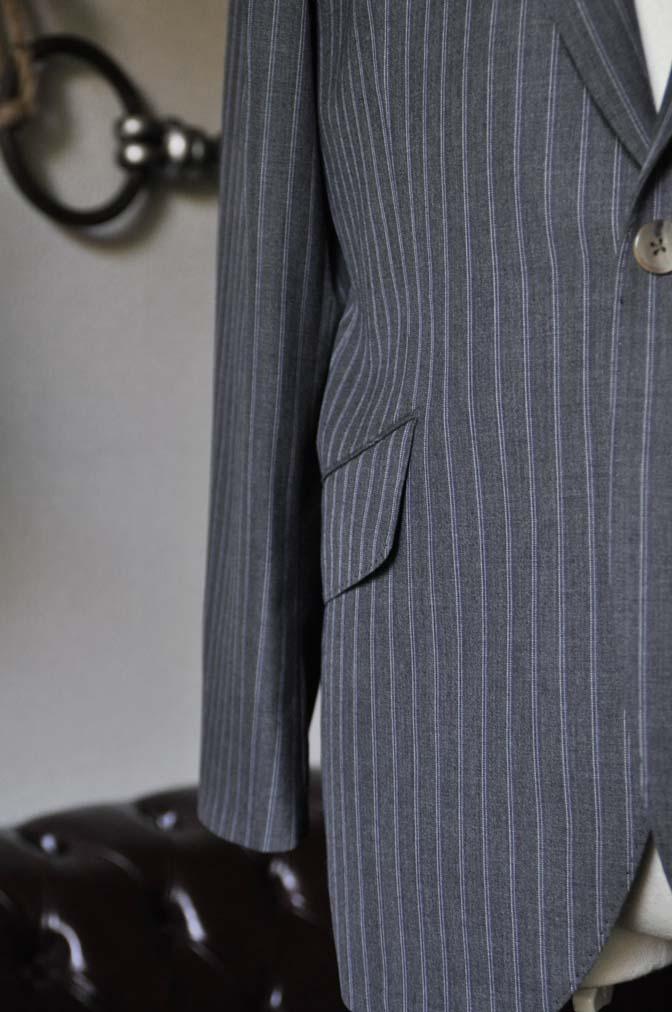 DSC0489-3 お客様のスーツの紹介- DARROW DALE グレーストライプスーツ-