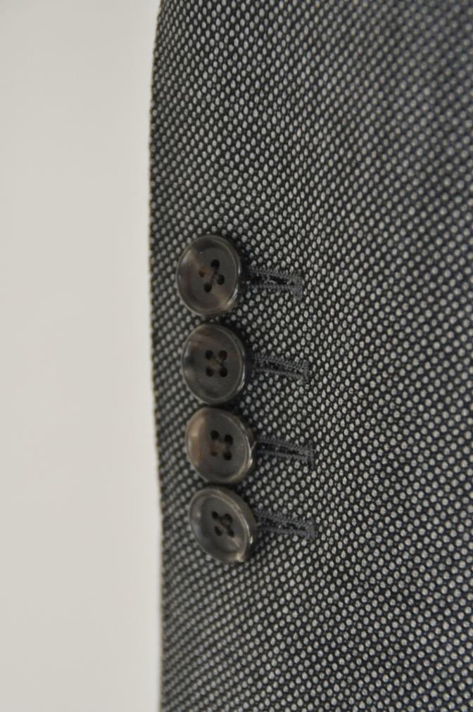 DSC04952 お客様のスーツの紹介-HOLLAND&SHERRY グレーバーズアイスリーピース-