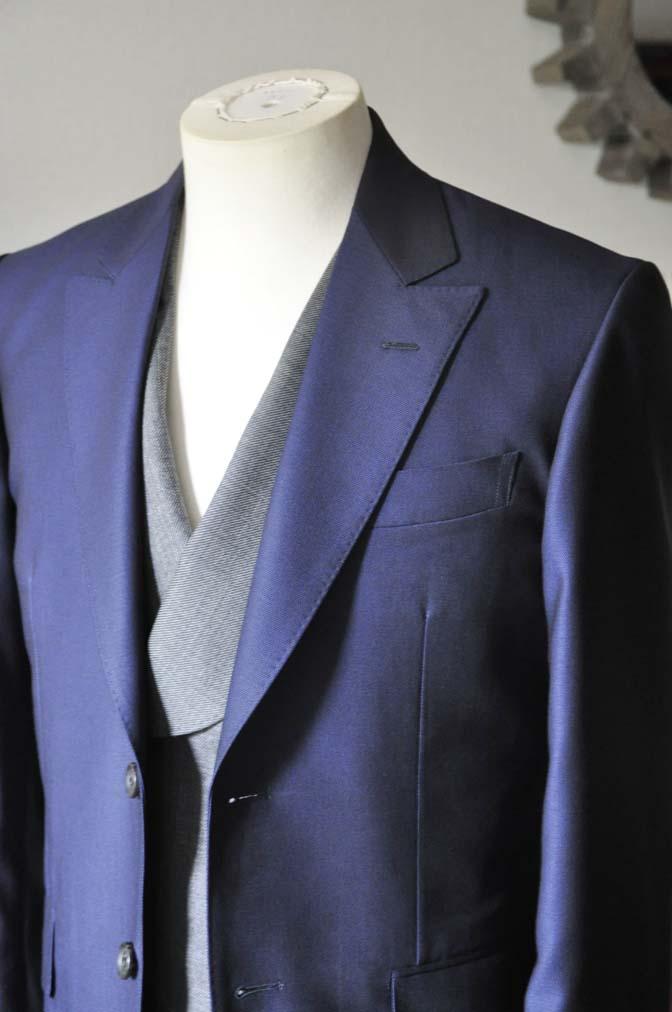 DSC0497-2 お客様のウエディング衣装の紹介-Biellesi ネイビースーツ グレーバーズアイ襟付きダブルベスト ホワイトベスト-DSC0497-2 お客様のウエディング衣装の紹介-Biellesi ネイビースーツ グレーバーズアイ襟付きダブルベスト ホワイトベスト- 名古屋市のオーダータキシードはSTAIRSへ